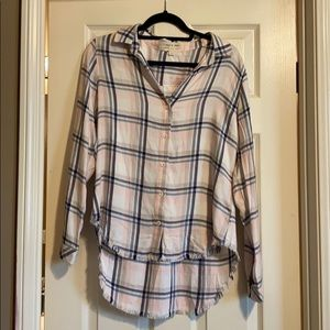 NWOT Cloth And Stone Frayed Hem Plaid Button Down
